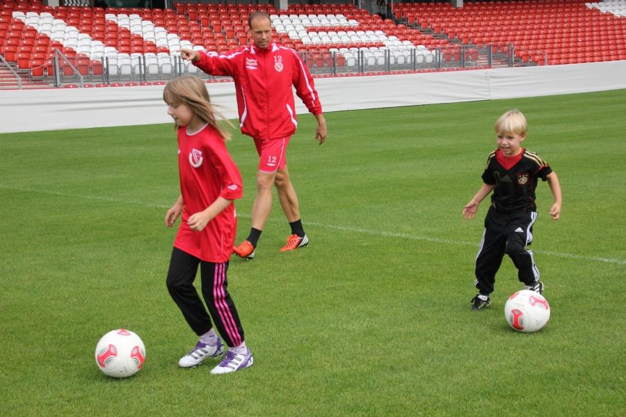 Kinder Fußballtraining mit Spaß und Motivation