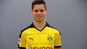 Fussballtraining Passen Weigl Passqoute Bundesliga 1. Platz